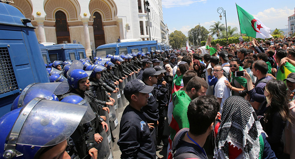 AFDH Calls for the Immediate Release of Algerian Peaceful Protesters